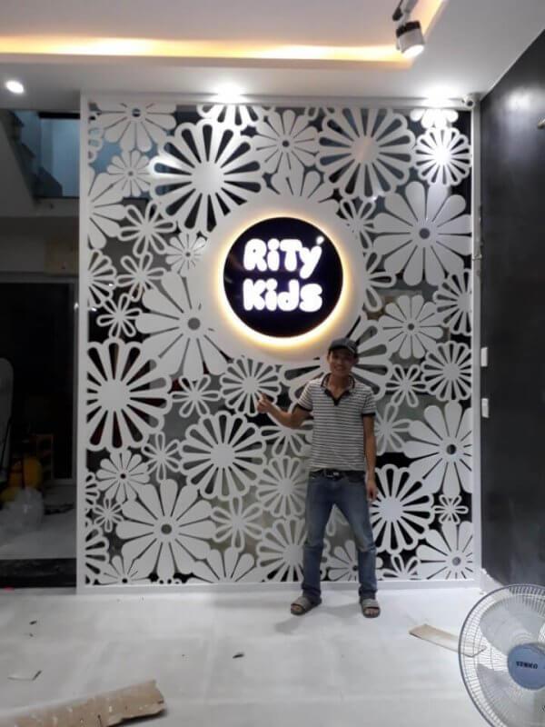 vach ngan cnc da nang2 600x800 - Vách Ngăn CNC - Một Phần Tất Yêu Cho Ngôi Nhà Bạn